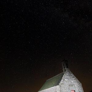 chapelle saint michel de brasparts de nuit